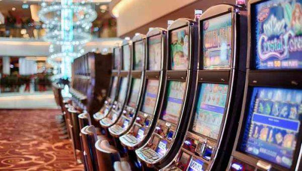 Slot machine: secondo l'Economist è questo il tipo di gioco d'azzardo preferito dagli italiani