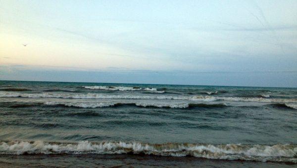 Litiga con il fidanzato e si getta in mare: scomparsa 33enne ad Albenga