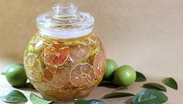 Acqua e limone depurativa: ecco perché e come agire
