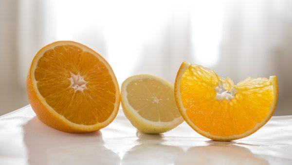 Acqua e limone digestiva: potente alcalinizzante