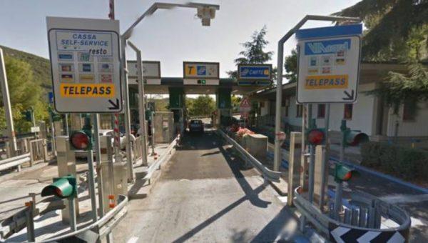 Salta il casello autostradale per 167 volte, vercellese condannato